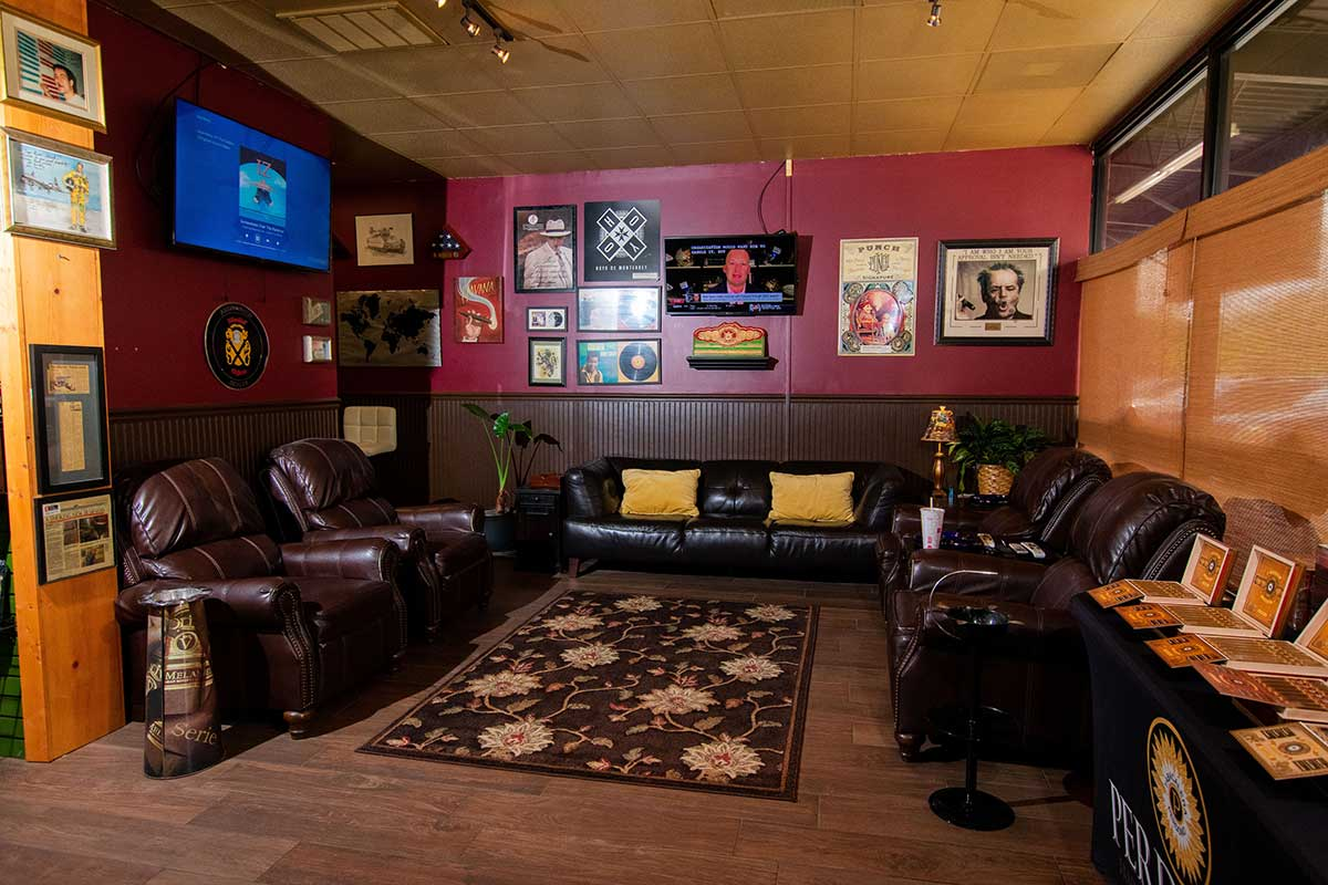 Huge patio (and cozy indoor space too), great selection of cigars, and a chill vibe serving Florence, Muscle Shoals, and Sheffield.